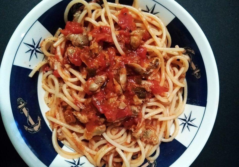Espaguetis Vongole (Con Tomate)